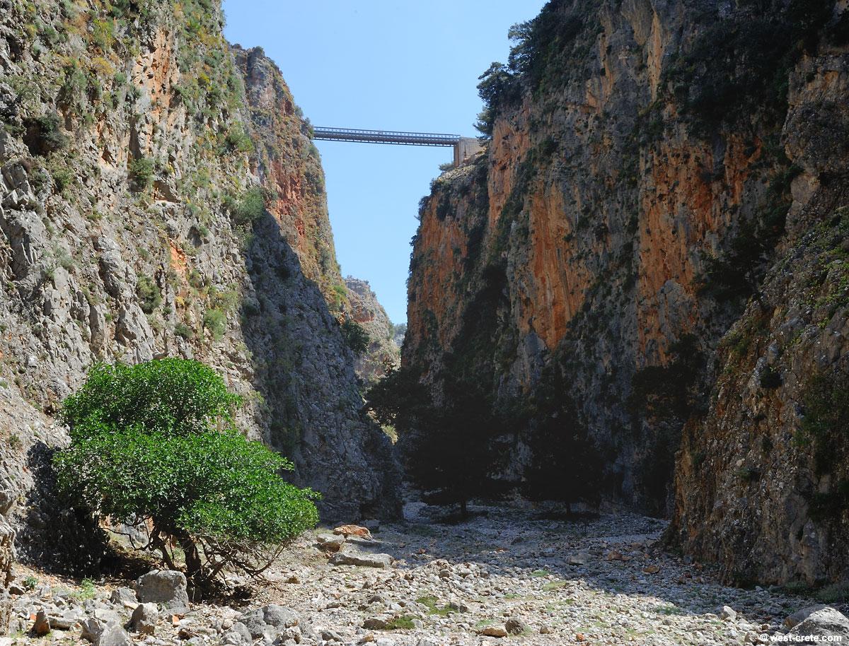 Bridge across the gorge of Aradena