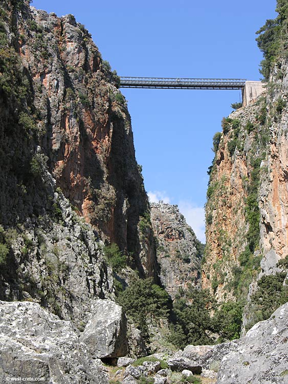 The bridge of Aradena seen from inside the gorge