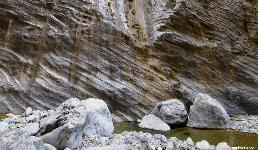 Convoluted rock strata in the Samaria gorge